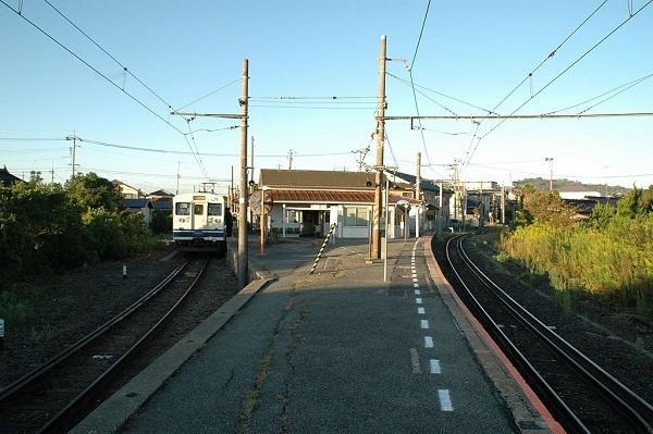 1024px-JR-Suzumeda-Station.jpg