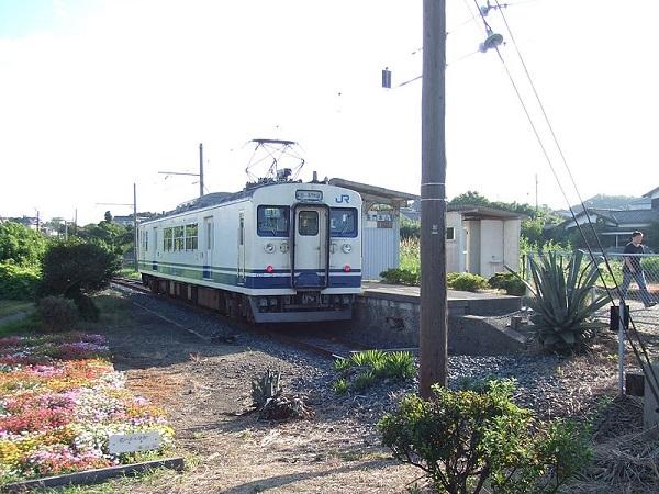 800px-NagatoMotoyamaStation.jpg