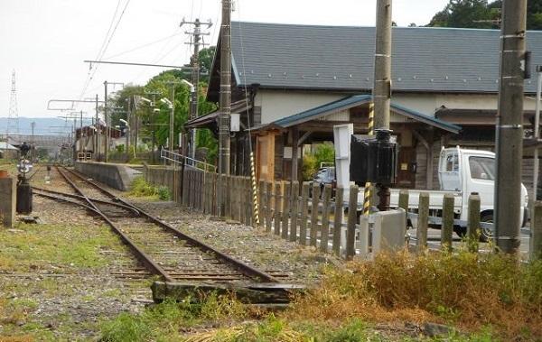 JRC_tokaido_main_line_Mino-akasaka_station_2.jpg