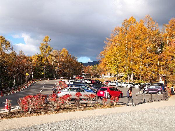 御射鹿池の駐車場