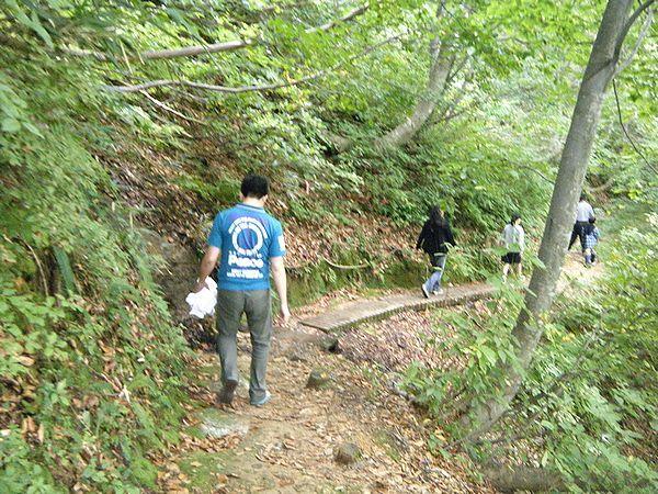 川原毛大湯滝の遊歩道