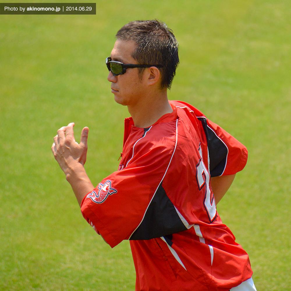 ランニング中の横山竜士投手(2014年)
