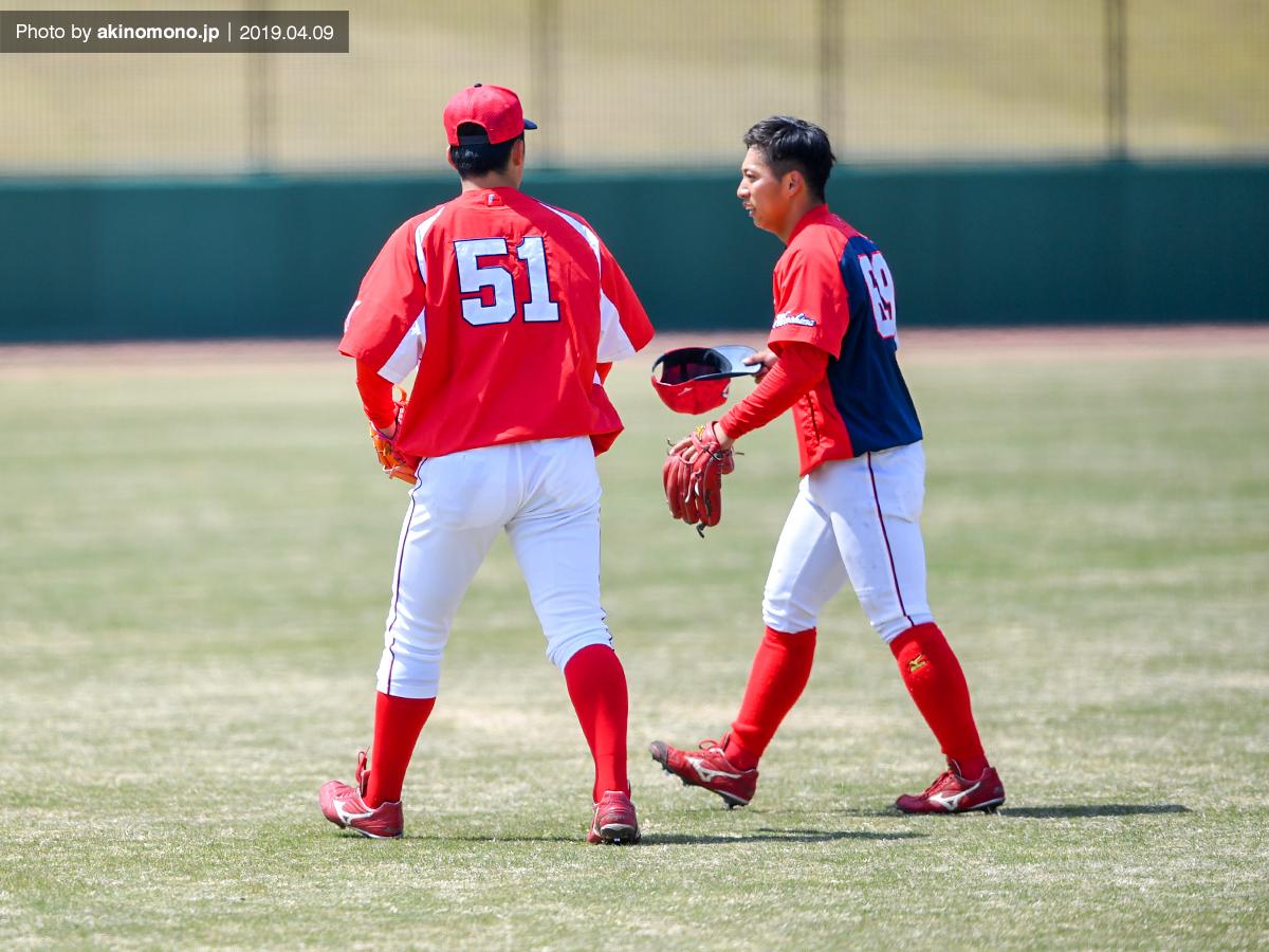 小園海斗選手と羽月隆太郎選手