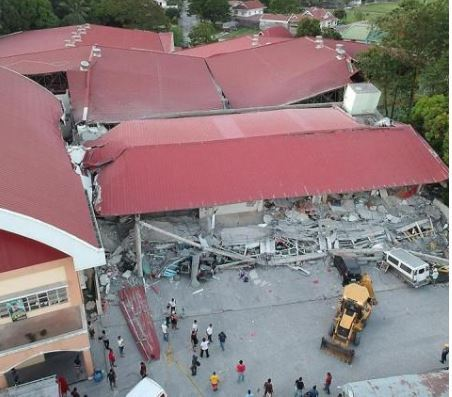 Collapsed Porac supermarket