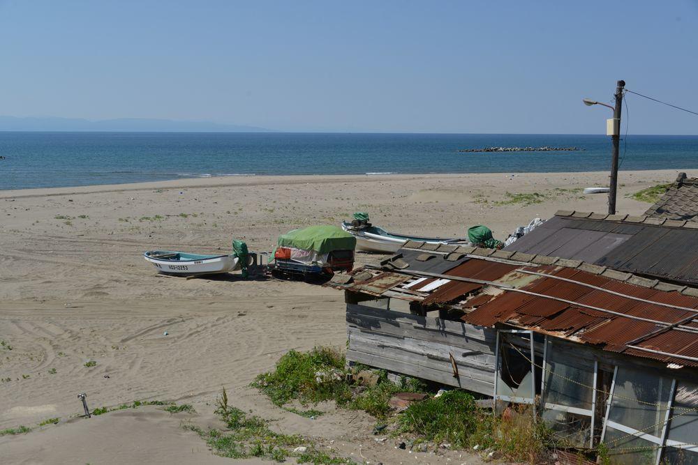 浜に建つ-3