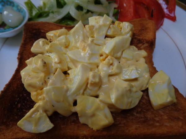 5/23 家食・ゆで卵のオープントースト