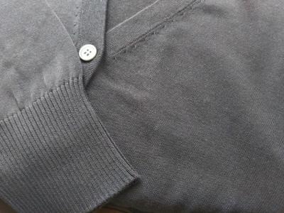PLST UVカーディガン 部分3 袖口と前部分アップ