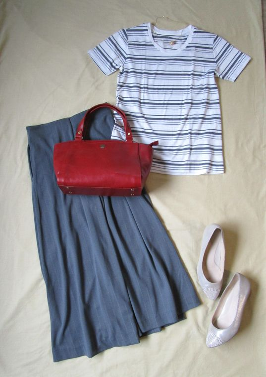 無印良品ボーダーTシャツ ユニクロパンツ Piitiパンプス 赤革バッグ  (6)