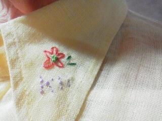 190426ストラネス麻ブラウス襟刺繍