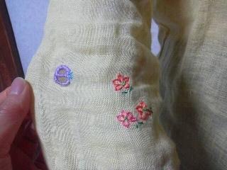 190426ストラネス麻ブラウス袖刺繍