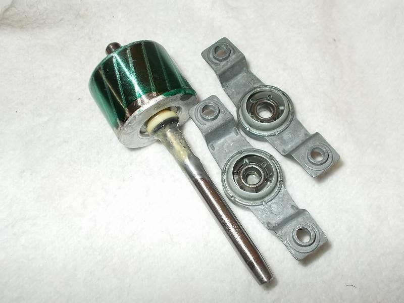 ZEPEAL ゼピール サーキュレーター ブラック DKS-20(2011年製) メンテナンス ベアリング内部(ローター軸が入るリング内部)とベアリング軸穴に接触するローターの軸回り、ローターに Wilco スラストワッシャー 軸径6.0(d6.2、D9.5、t0.25) ポリスライダーを装着してグリースメイトを噴射