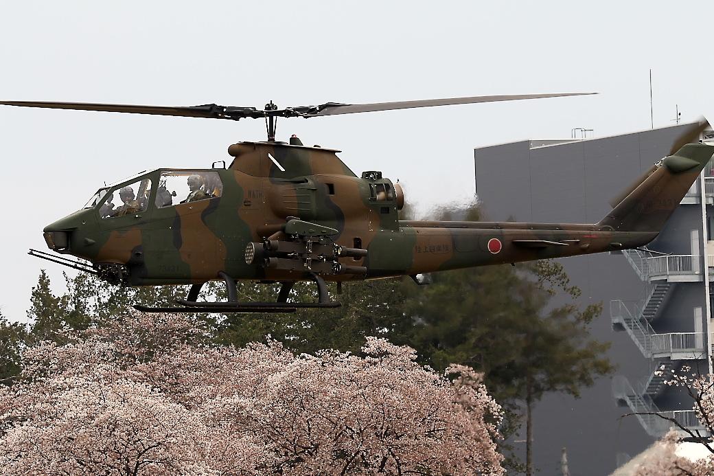 AH-1Sヘリの帰投_10