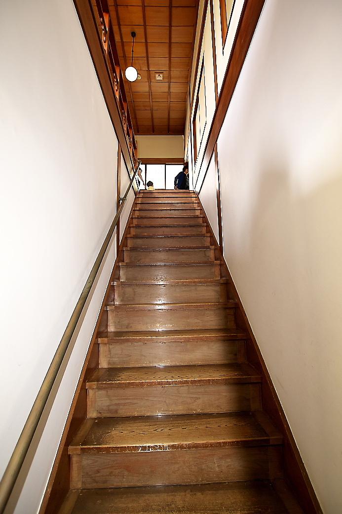 階段(1)