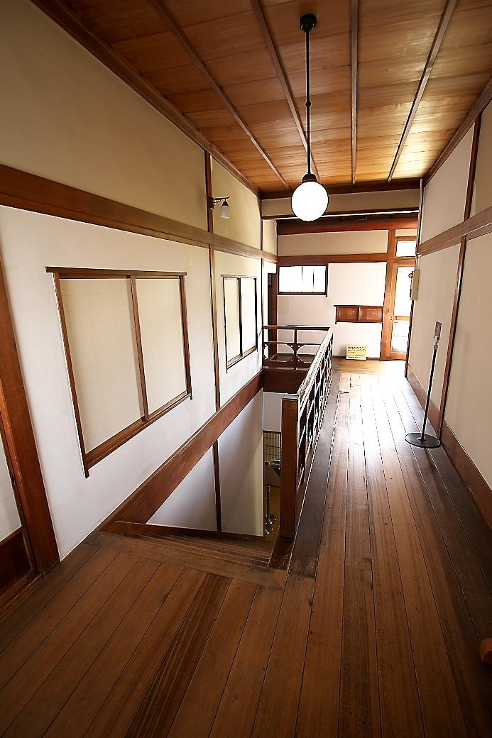 先程の階段