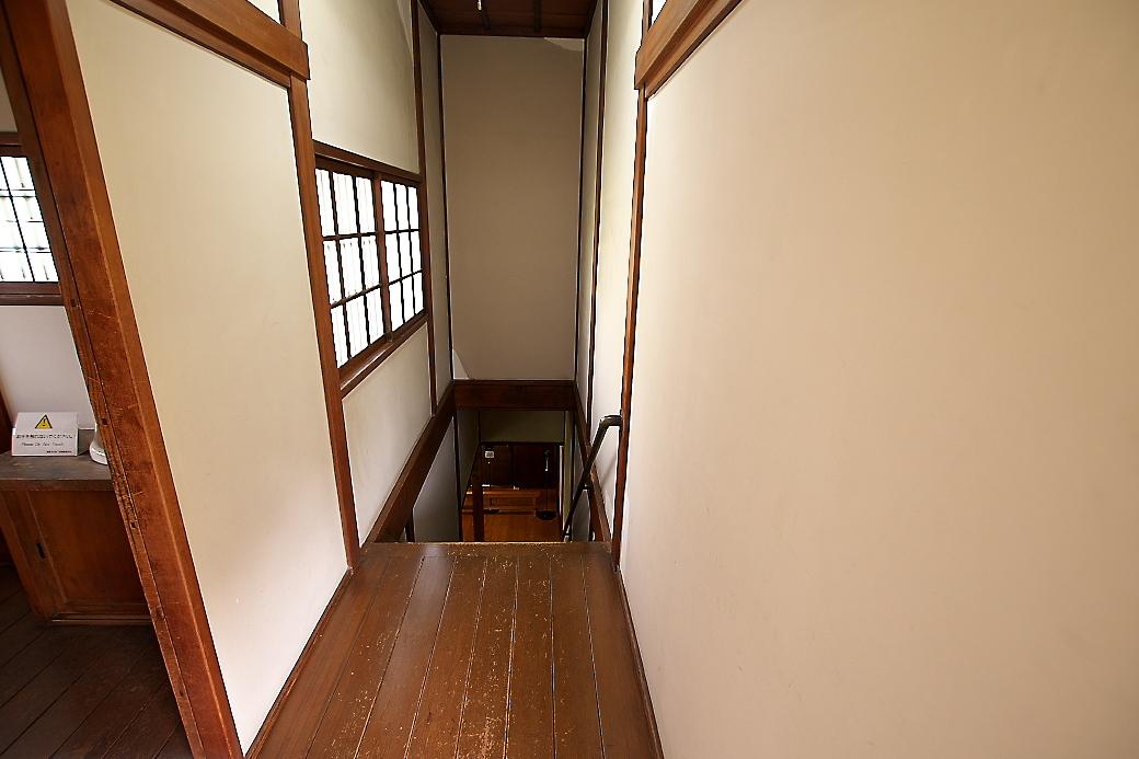 階段(2)