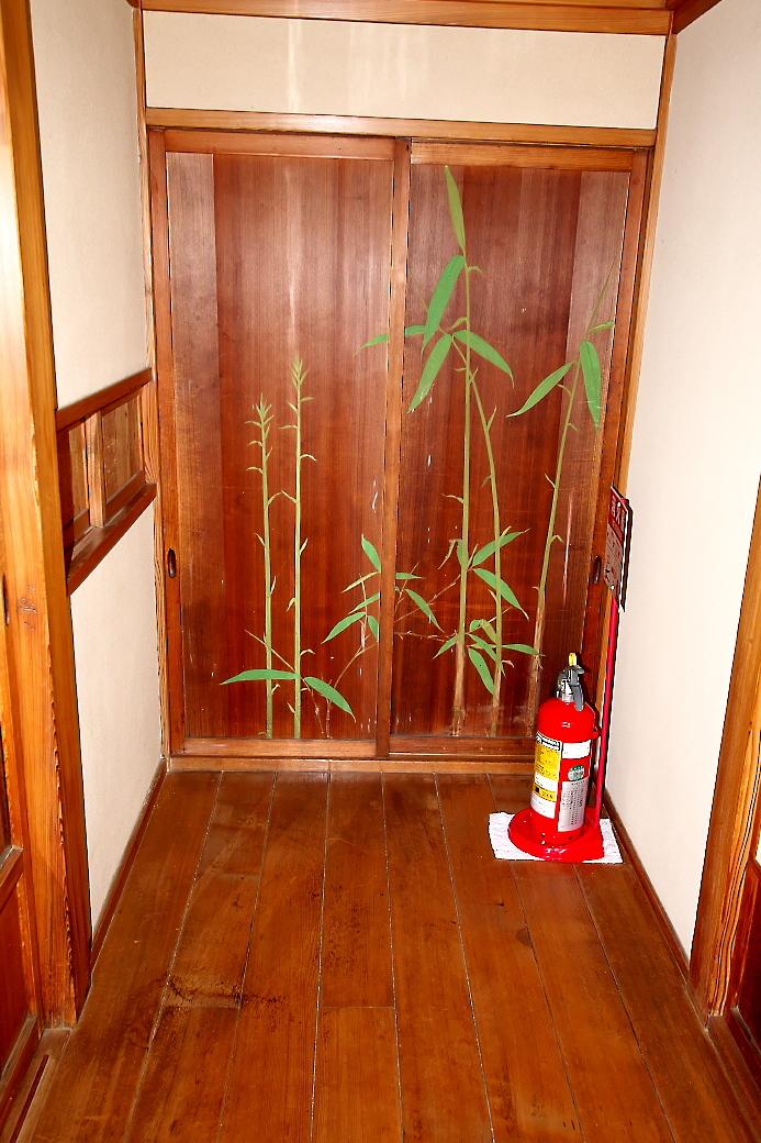 杉の間(表) に通じる出入り口