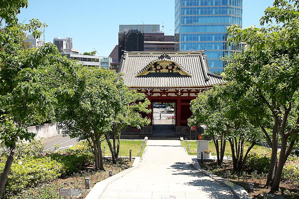 旧台徳院霊廟惣門_3