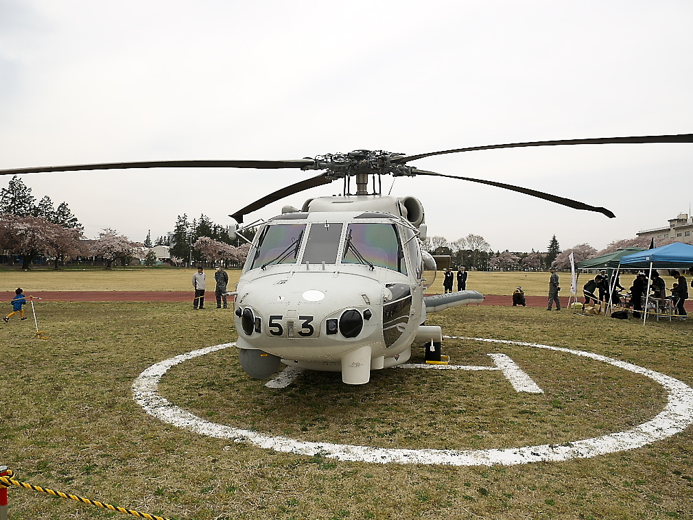 SH-60Kヘリ地上展示_2