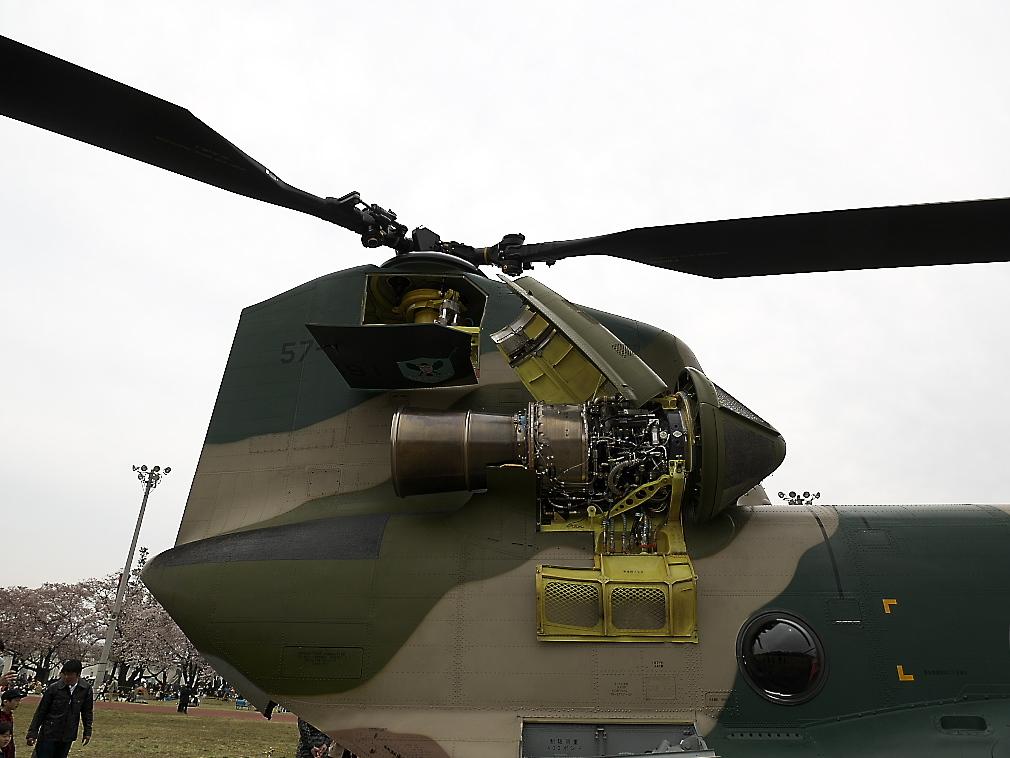 CH-47Jヘリ地上展示_8