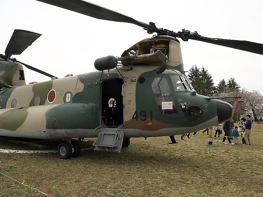 CH-47Jヘリ地上展示_10