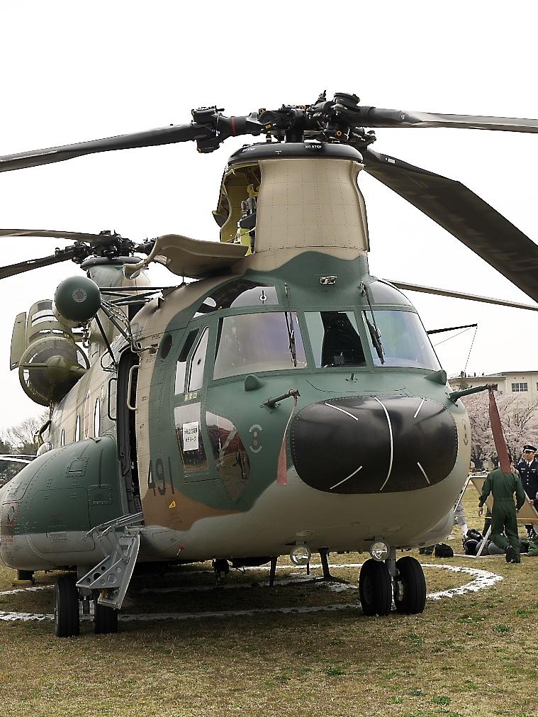 CH-47Jヘリ地上展示_2