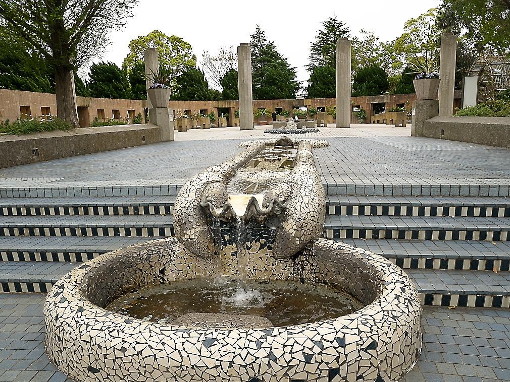 石のステージ~水の階段~世界の広場_8
