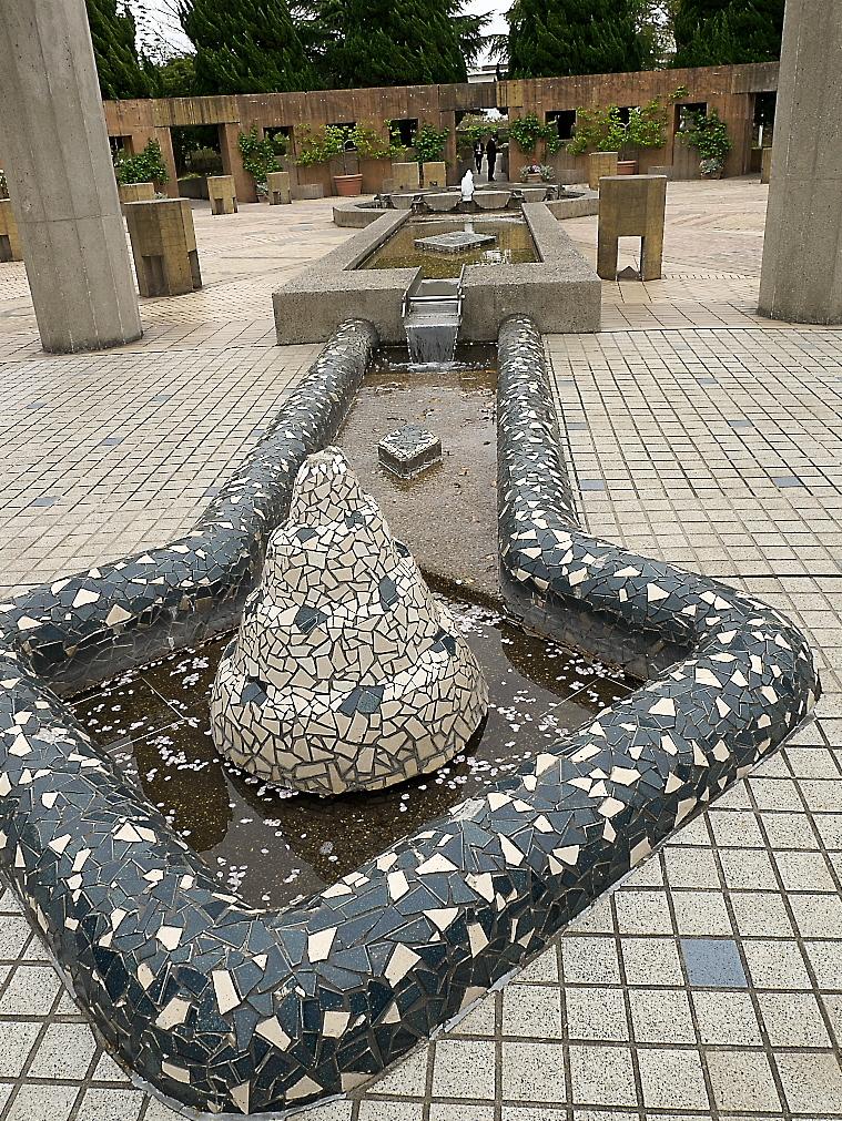石のステージ~水の階段~世界の広場_10