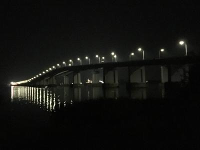 夜の琵琶湖大橋