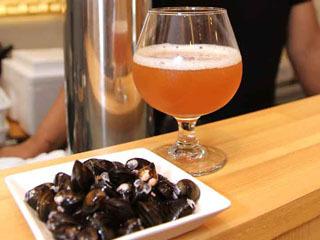 セタシジミの煮汁を使ったクラフトビール 透明感が・・・