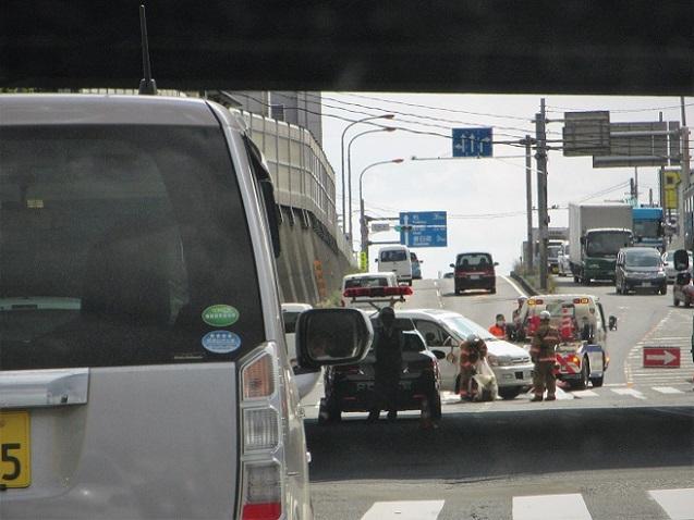 19.5.18 事故・渋滞16号 (6)
