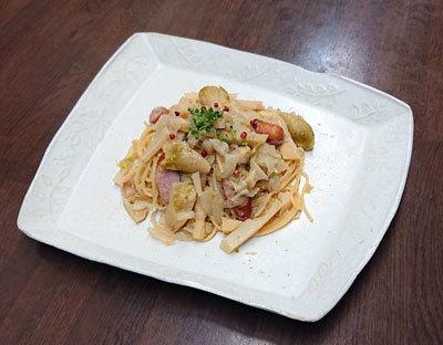 筍と芽キャベツとソーセージのスパゲッティ