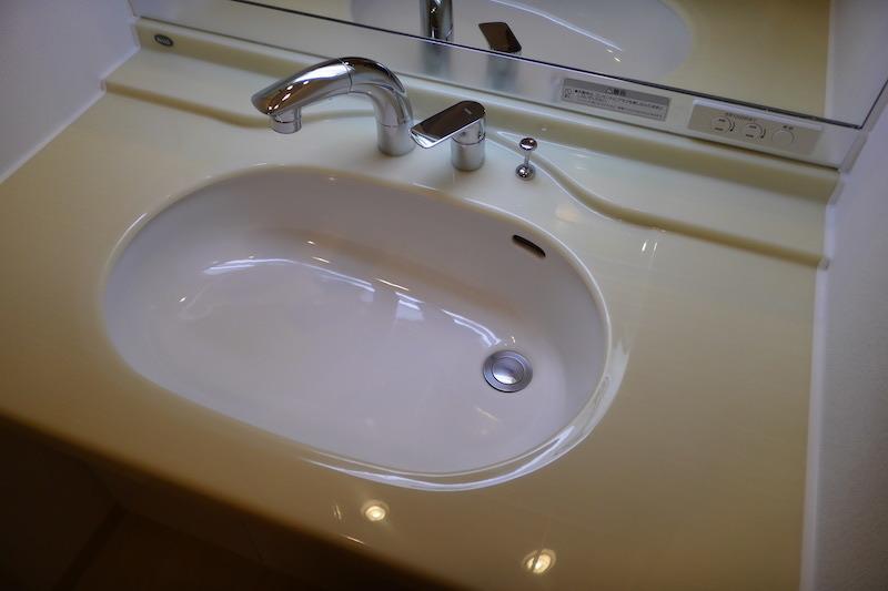 洗面台人工大理石の磨き・再生研磨施行後1