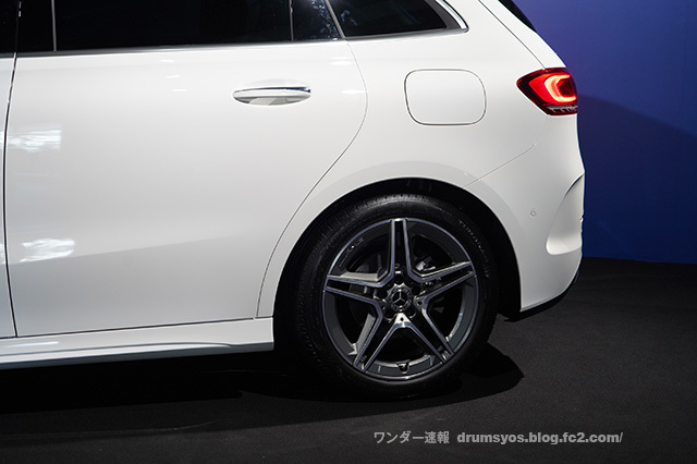 MercedesBclass25.jpg