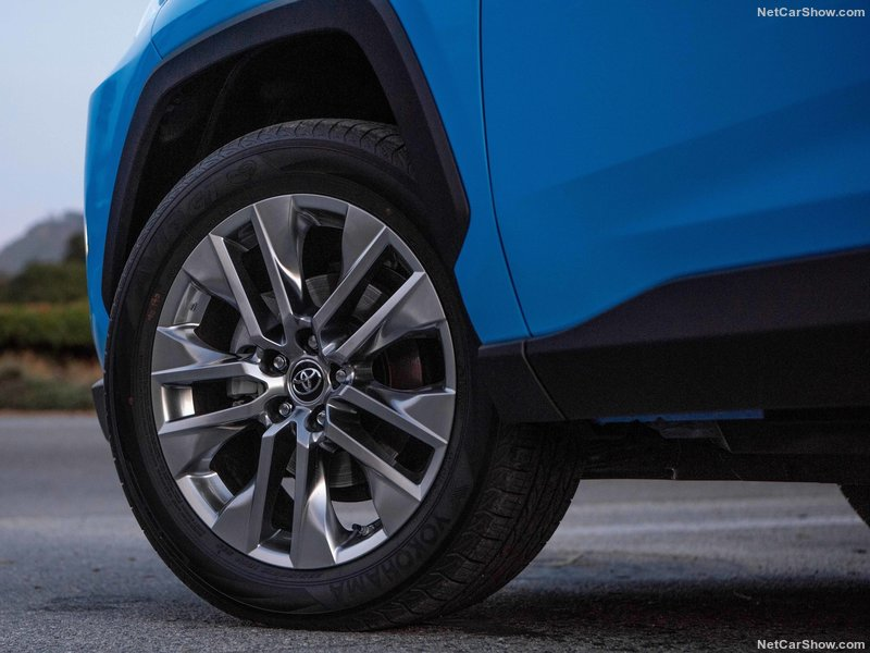 Toyota-RAV4-2019-800-61_201905131532130b9.jpg