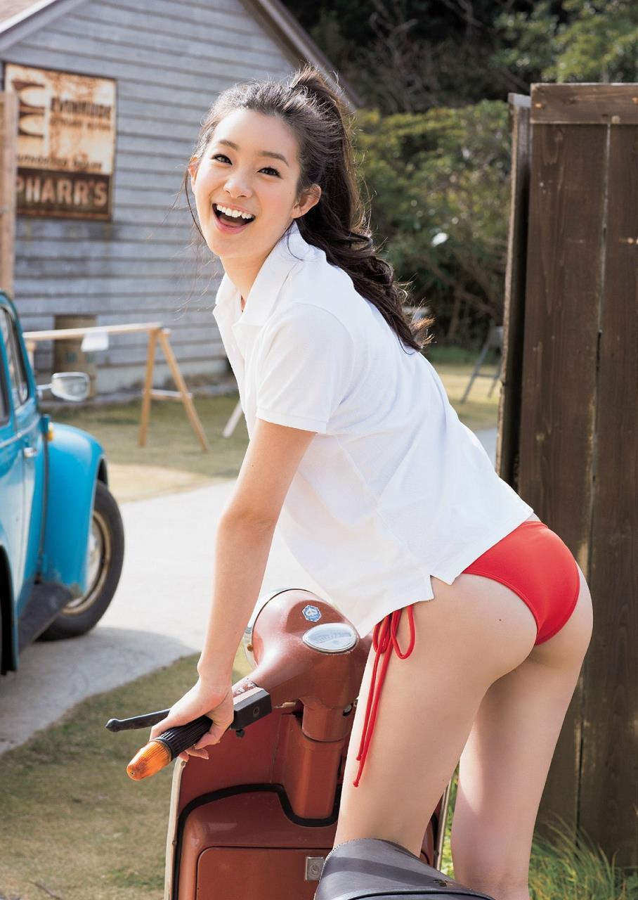 adachi_rika039.jpg