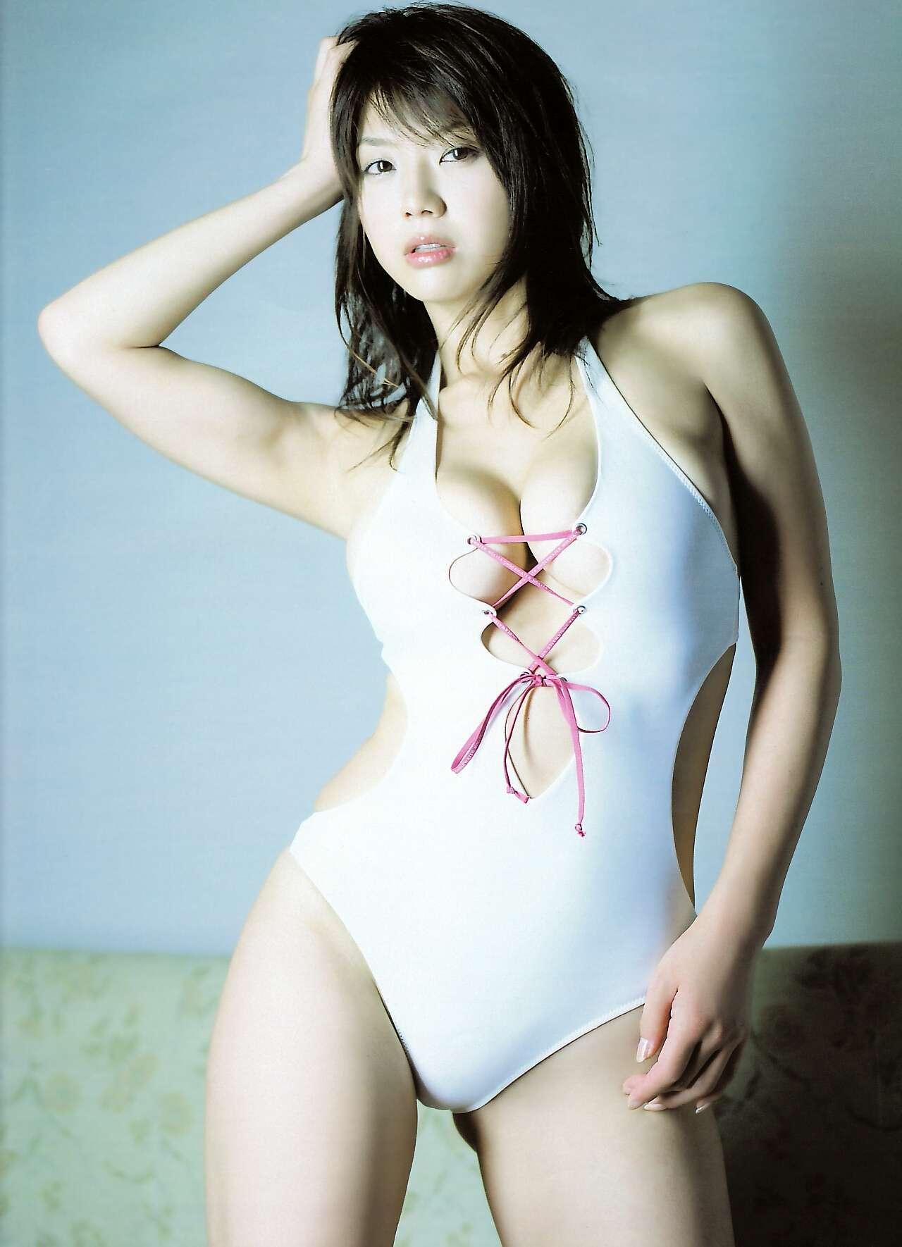 aizawa_hitomi150.jpg
