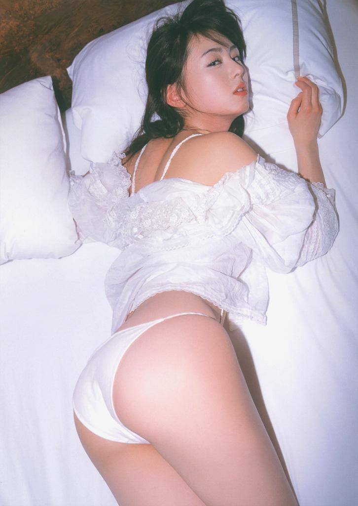 akiyama_rina125.jpg