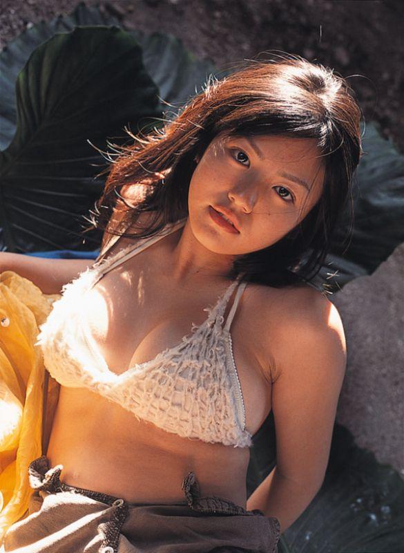 isoyama_sayaka121.jpg