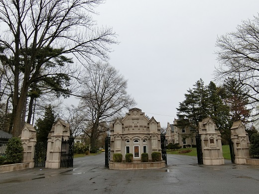 ウッドローン墓地