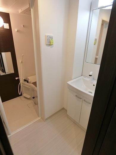 尻手新築アパート101室洗面浴室