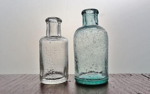 眞珠水と無名瓶
