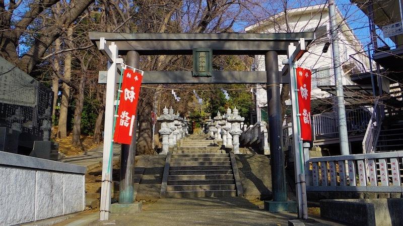 「馬絹神社」