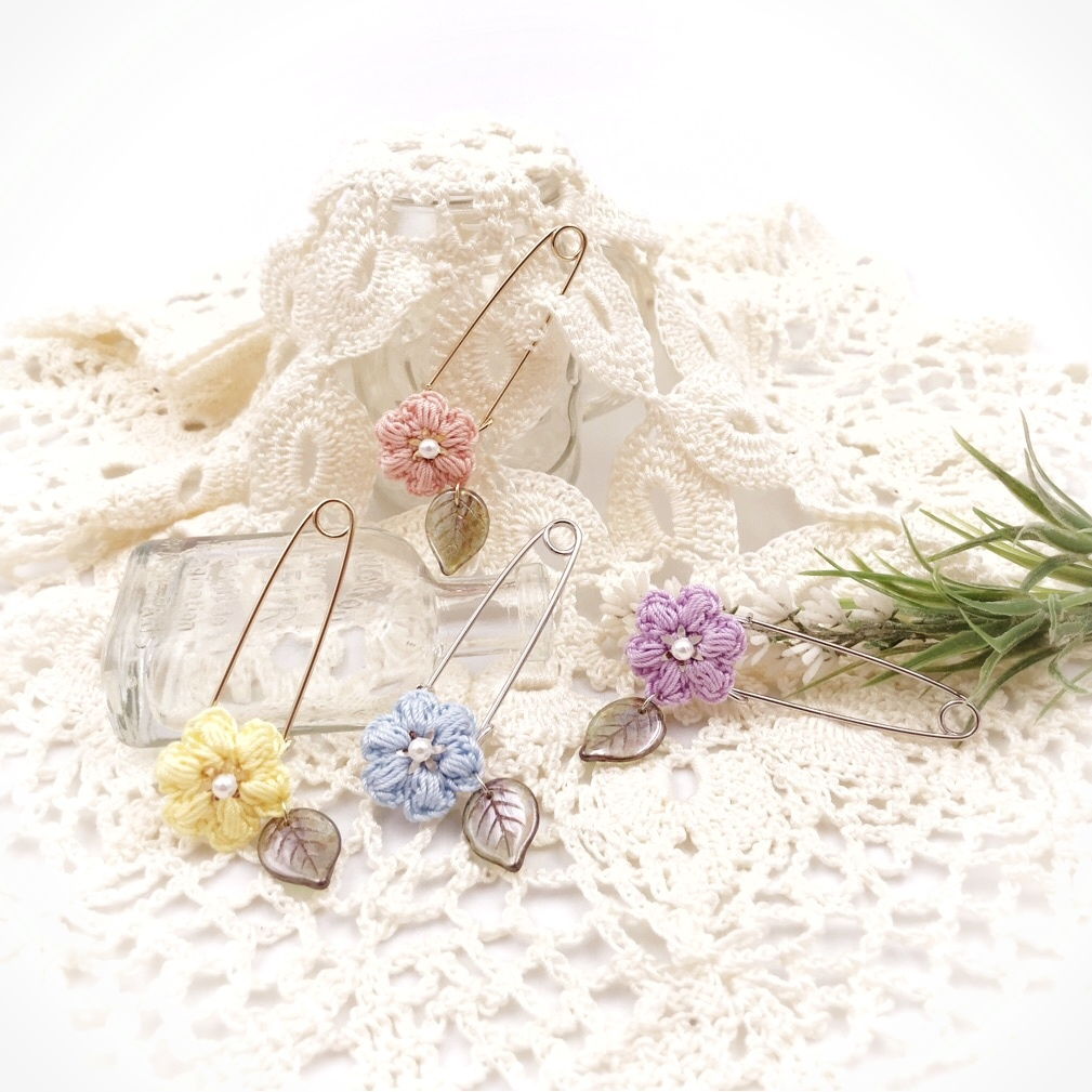 手編み雑貨 HanahanD 花 パール ブローチ 葉っぱ リーフ 透明感 春夏