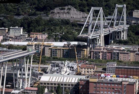 モランディ橋崩落