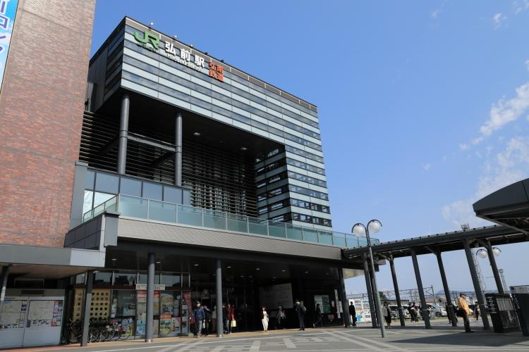 5Z2A6417JR弘前駅S