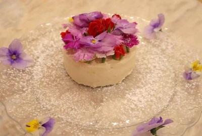 フラワーホールケーキ