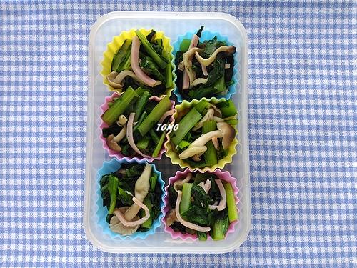 小松菜とぶなしめじのコンソメ炒め1