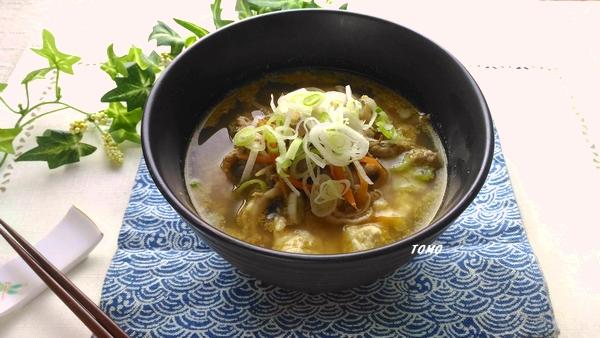 ごぼうと豚肉の白ごま味噌スープ
