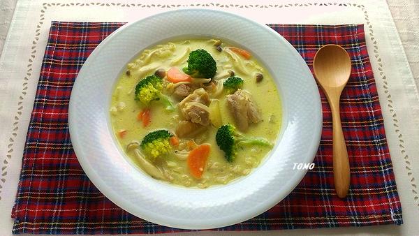 オートミールと豆乳の濃厚カレー豆乳スープ