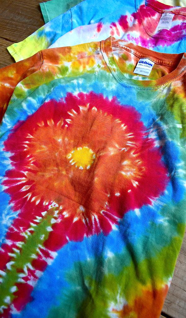 タイダイTide-DyeTシャツ画像ヒッピーサイケデリックTメンズレディースコーデ@古着屋カチカチ